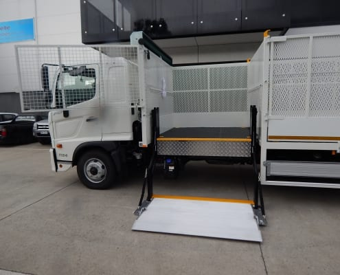 Cage tipper body w/ side tailgate